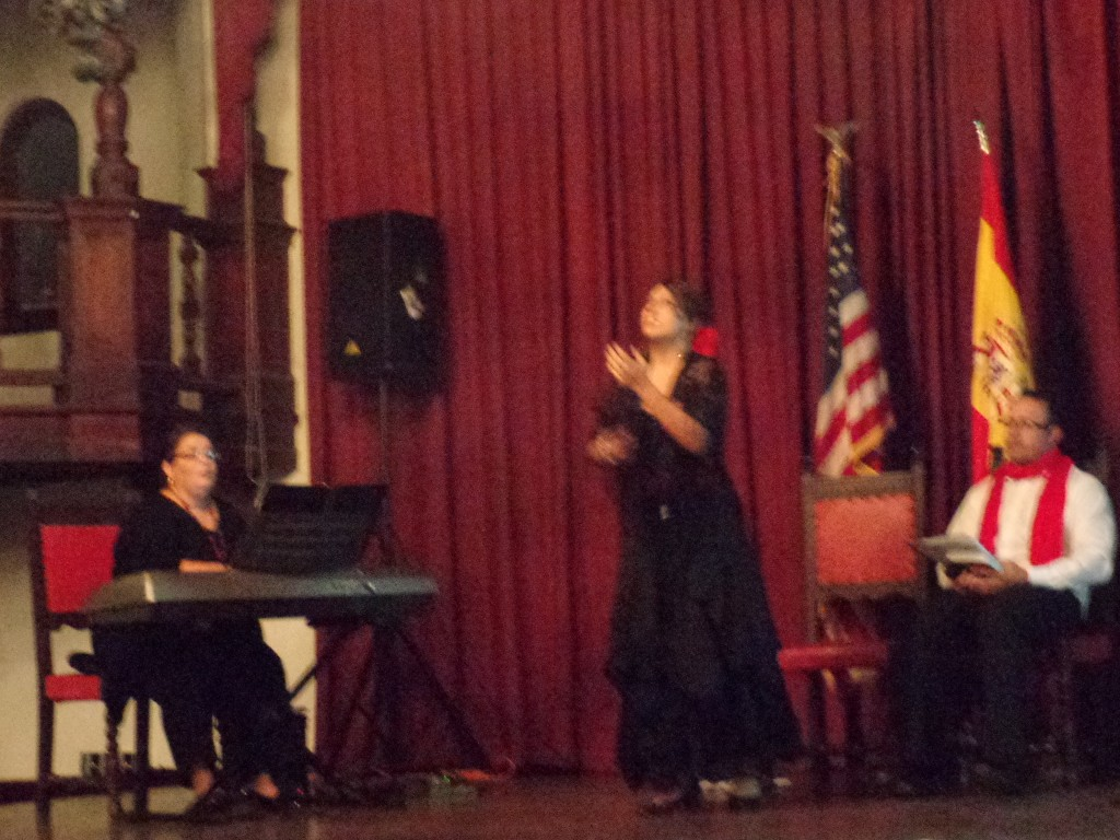 "Sita Nadathur (soprano) sings ""Que Te Importa"" from the zarzuela Los Claveles."