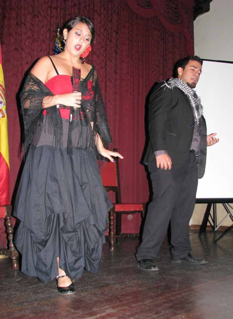 Sita Nadathur and Jean Carlos Martinez sing a love duet from the zarzuela Los Claveles.